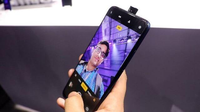 Гендиректор OnePlus рассказал, каким будет OnePlus 7 Pro