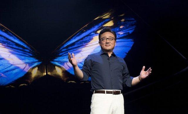 Samsung подготовила сюрприз для всех покупателей Galaxy Fold