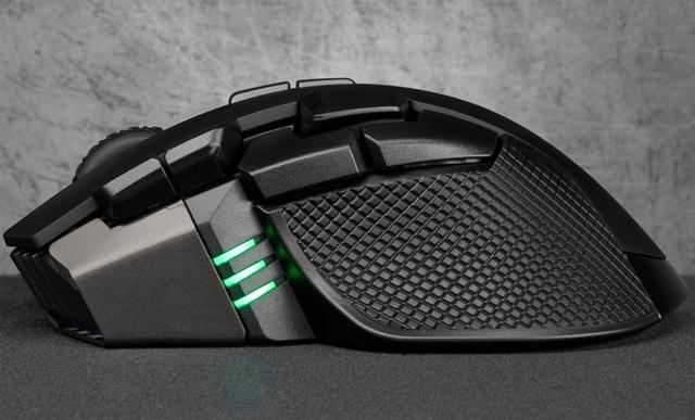 Мышь Corsair IronClaw RGB Wireless с датчиком на 18 000 DPI не нуждается в проводе